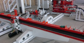 Bending Press by Kunkel with Automated Left and Right Angle Correction Feature